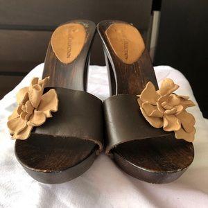 Vianni Collection Women's Wooden Heel